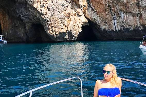 Leuca: le meraviglie delle grotte di Levante