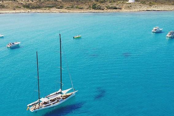 Lo Ionio in barca a vela esclusiva