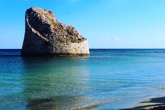 Grotte e torri costiere del Salento