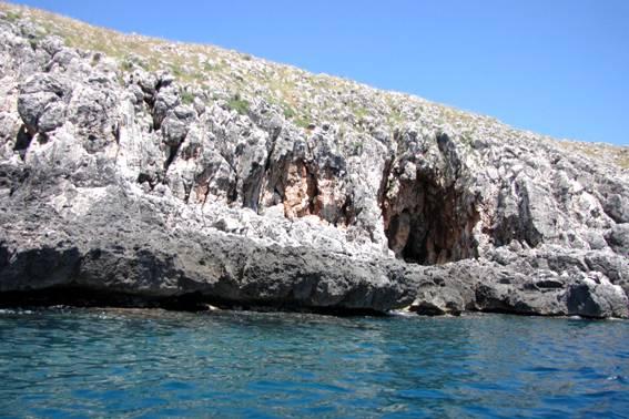 Grotte e torri da Castro a Santa Maria di Leuca