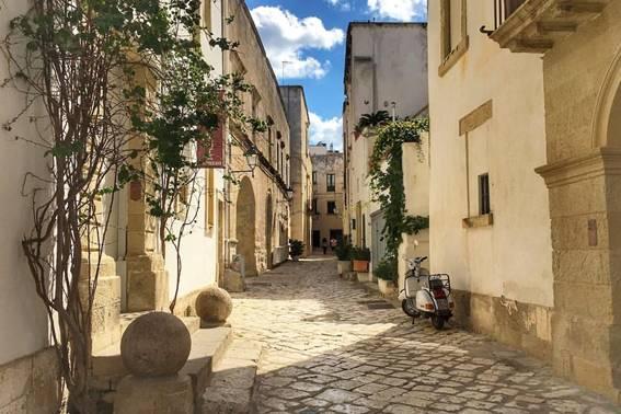Otranto: storia, mito e devozione