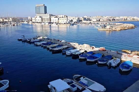 Gallipoli: porto e Isola di S. Andrea